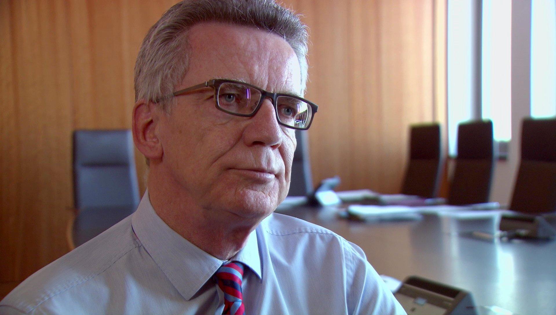 Thomas de Maizière (CDU) über Terror und Verschwörungstheorien