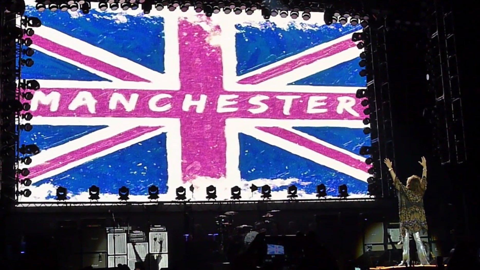 Aerosmith zollen Opfern von Manchester Tribut
