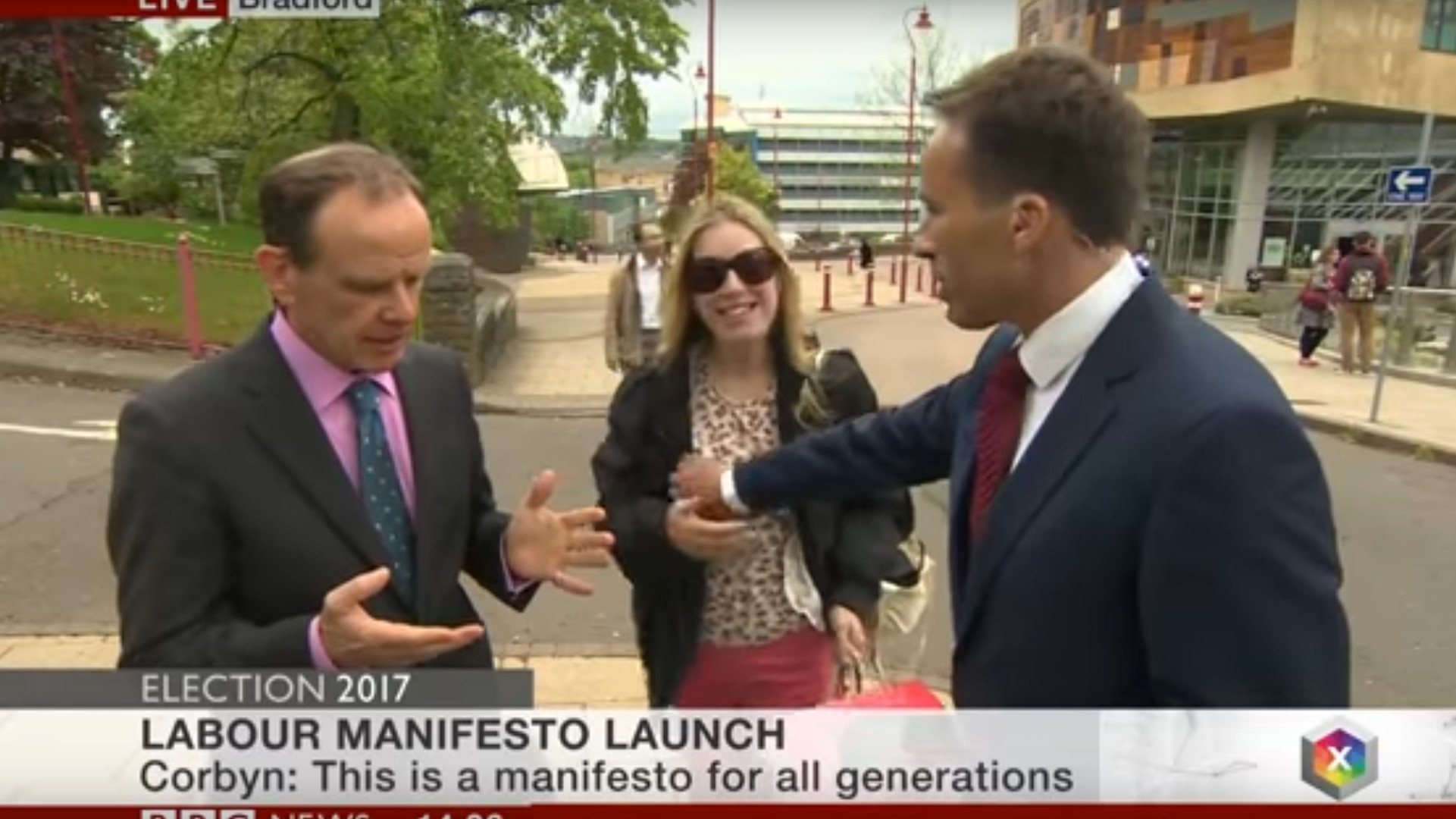 Shitstorm: BBC-Reporter begrabscht Passantin