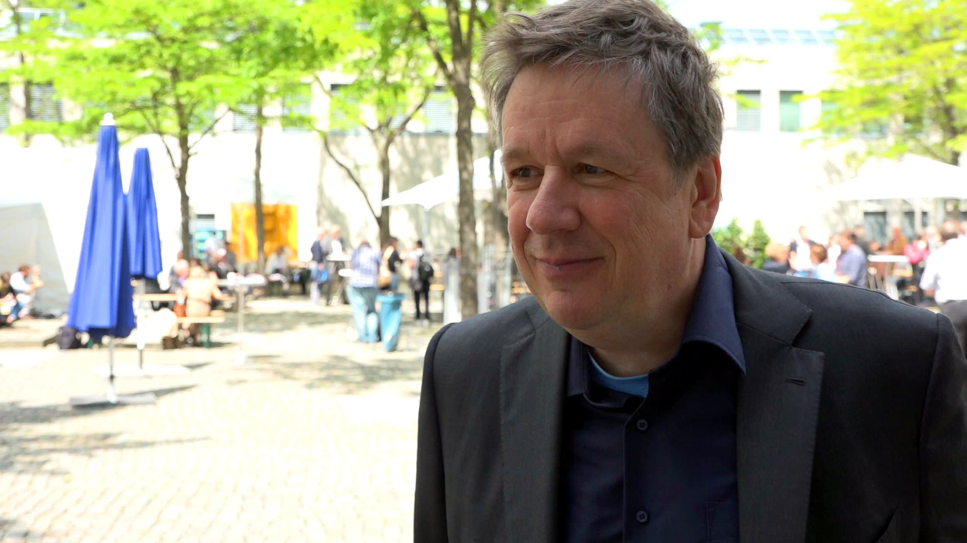 "Jörg Kachelmann: ""Ich bekomme viele Hass-Kommentare zu Chemtrails"" (Interview)"