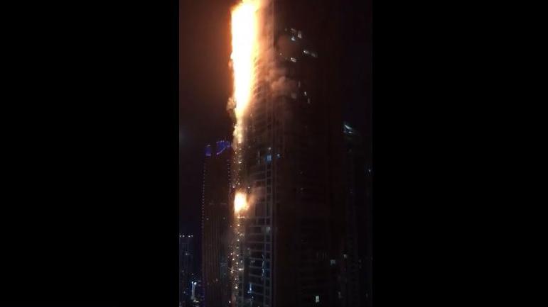 Dramatisches Augenzeugenvideo: Wolkenkratzer Torch Tower in Dubai brennt