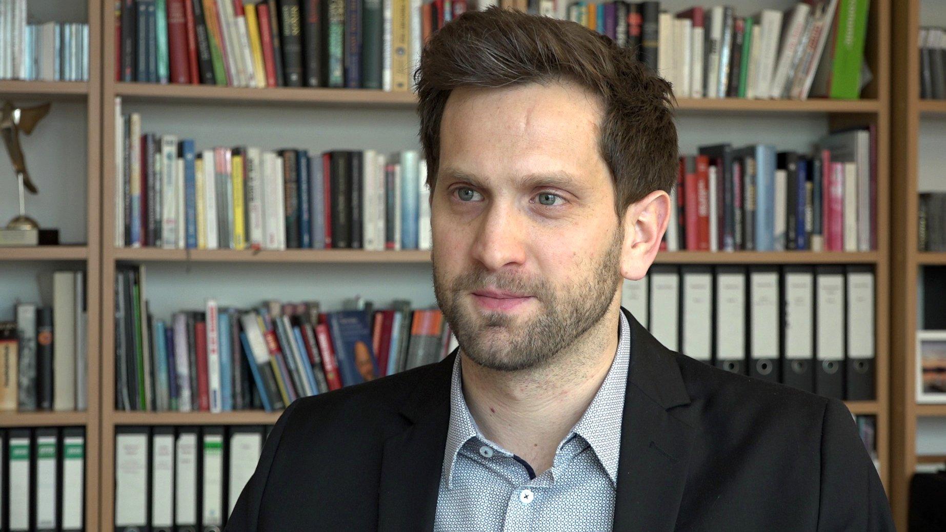 Adrian Schaefer-Rolffs im Interview: Warum gibt´s Sonderrechte für Minderheiten?