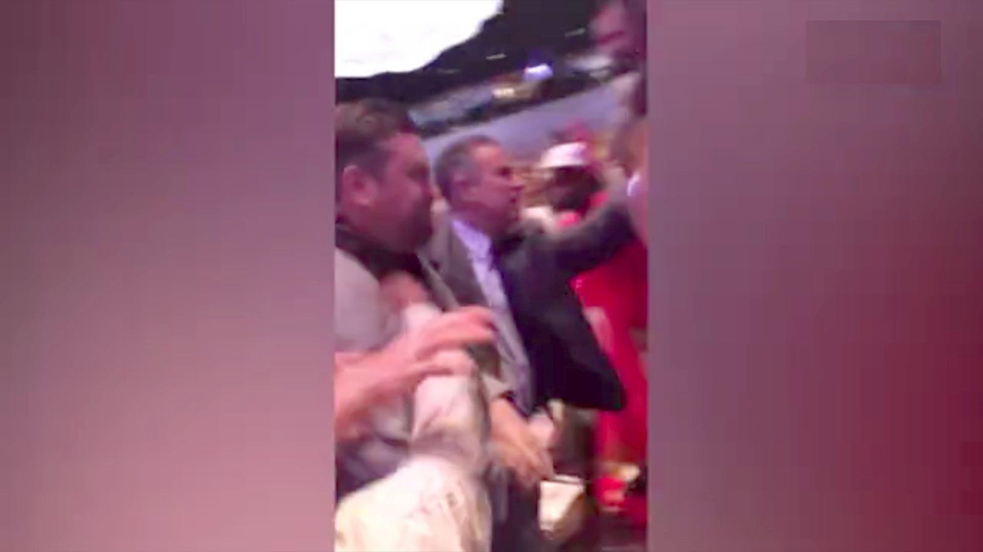 Erdogan-Bodyguards prügeln auf Demonstranten ein